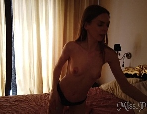 072520_amelia_miller_pov_lesbian_double_dildo_and_pussy_licking_real_female_orgasm_miss_pussycat