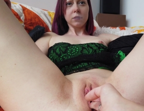 091521_hoookah_lesbian_pussy_licking_and_smoking_afternoon_miss_pussycat